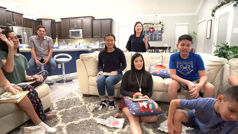 20181225_christmas-ho-family-video_03.MP4