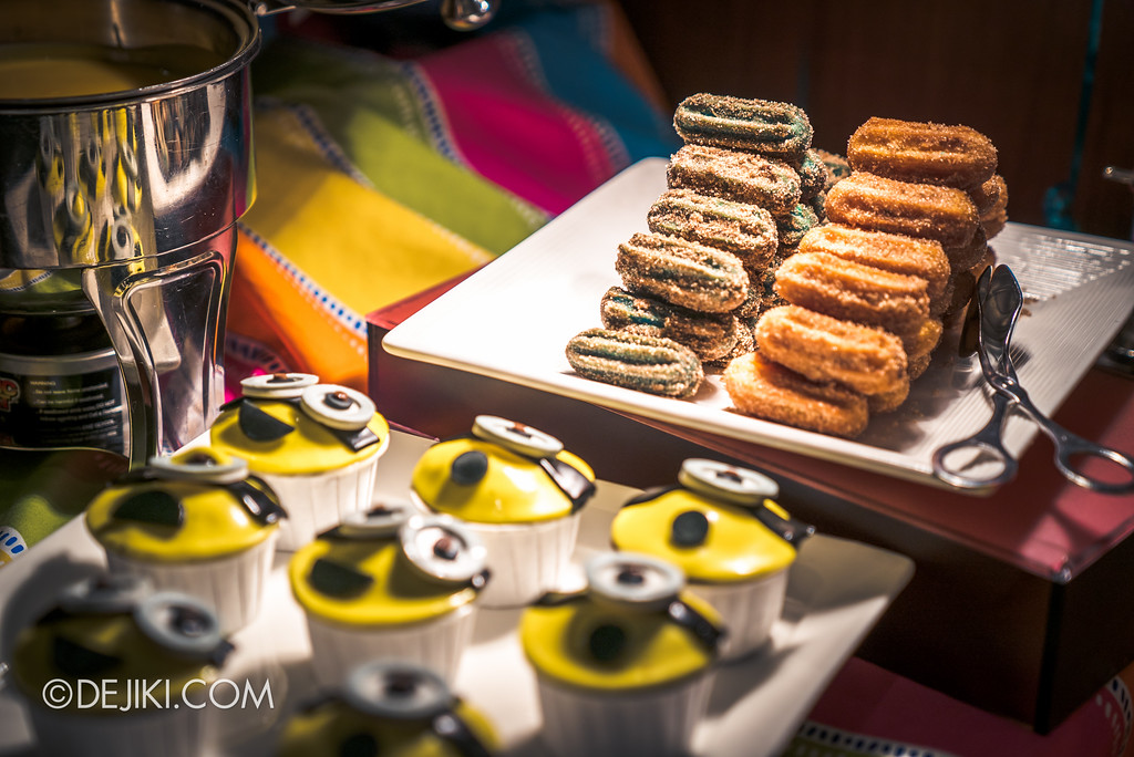 Despicable Me Breakout Party at Universal Studios Singapore / Minion churros
