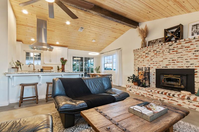 2945 Geneseo 10 Living Room.jpg