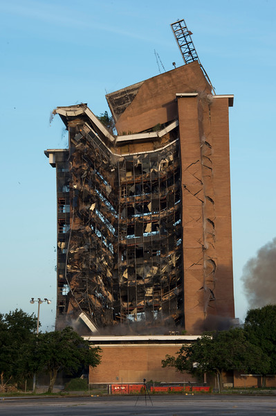 Skyscraper Bank Building Implosion_015.jpg