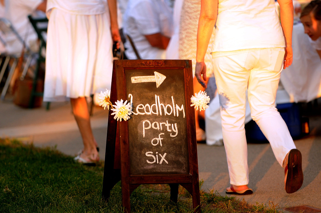 . A sign indicates a particular party of six. (Pioneer Press: Sherri LaRose-Chiglo)