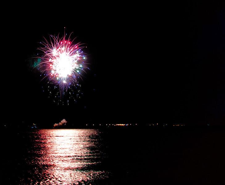 BR_fourth_fireworks_1.jpg