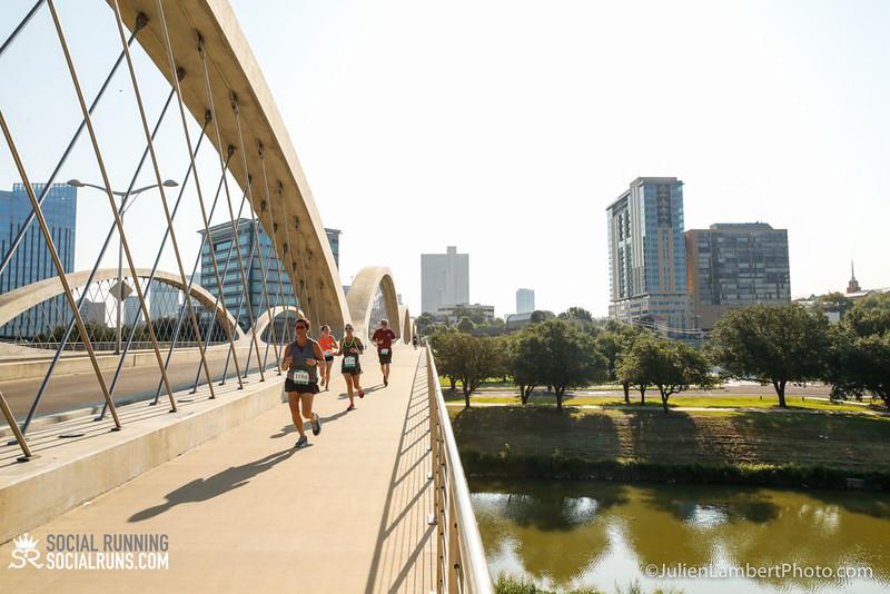 Fort Worth-Social Running_917-0406.jpg