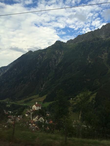 337_iPhone_Switzerland.jpg