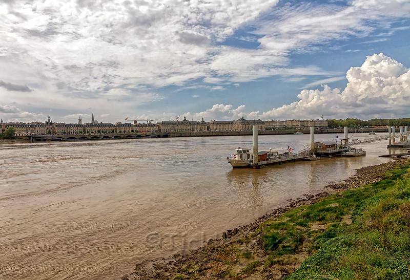 Place de la Bourse Across the River Garonne