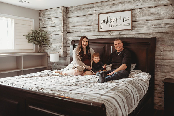 Shelby and Cory Lifestyle maternity mini
