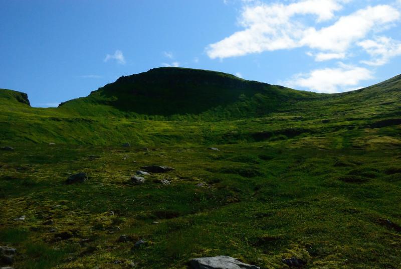 Harðviðrisgjá, Skófnaberg og Almenningaskarð.