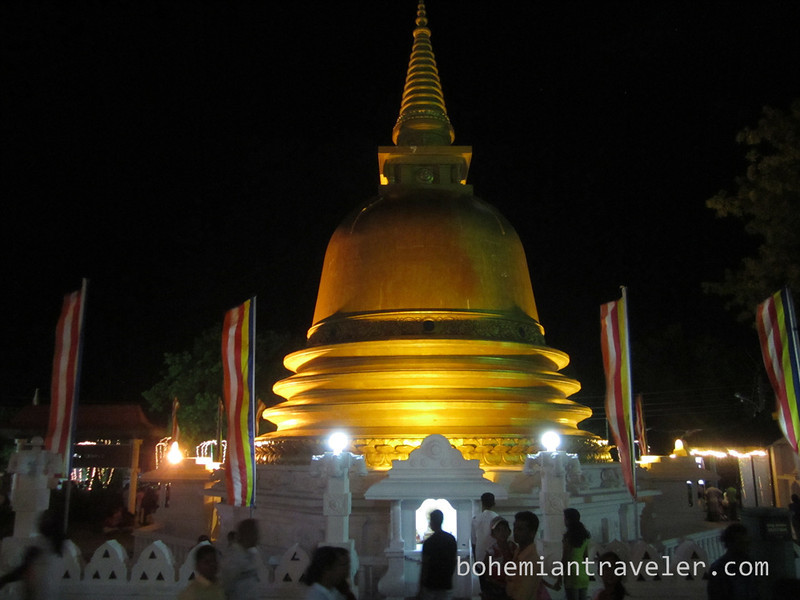 Vesak stupa Dambulla.jpg