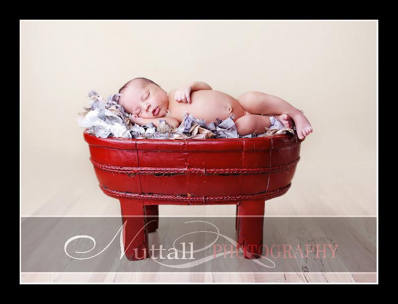 Noah Newborn 22.jpg