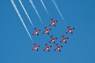 Arrow in the sky: the Snowbirds.