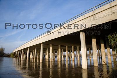 Kern River at Colloway bridge