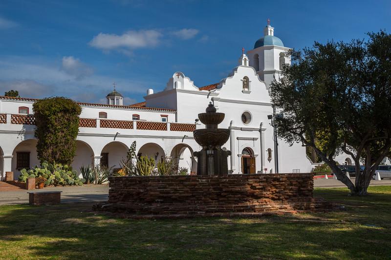 Mission San Luis Rey de Francia.jpg