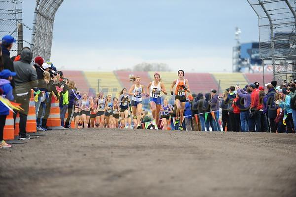 800 meters, D1 GIRLS - 2017 MHSAA LP XC FINALS