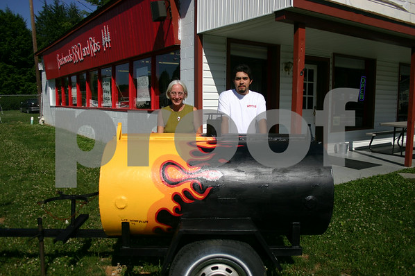 Backwoods BBQ Opens in Erwin - June 2005