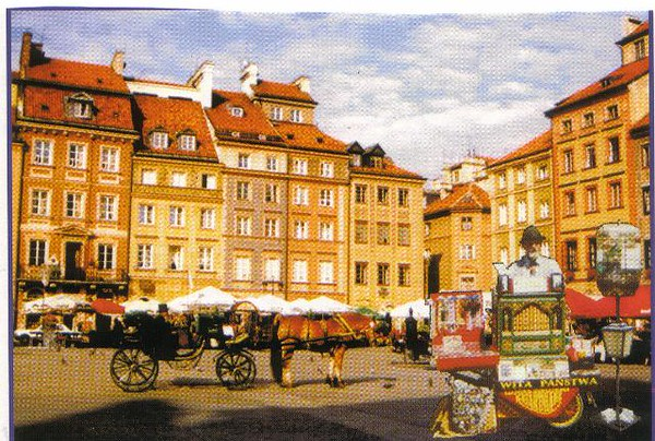 22_Varsovie_Place_du_Marche.jpg