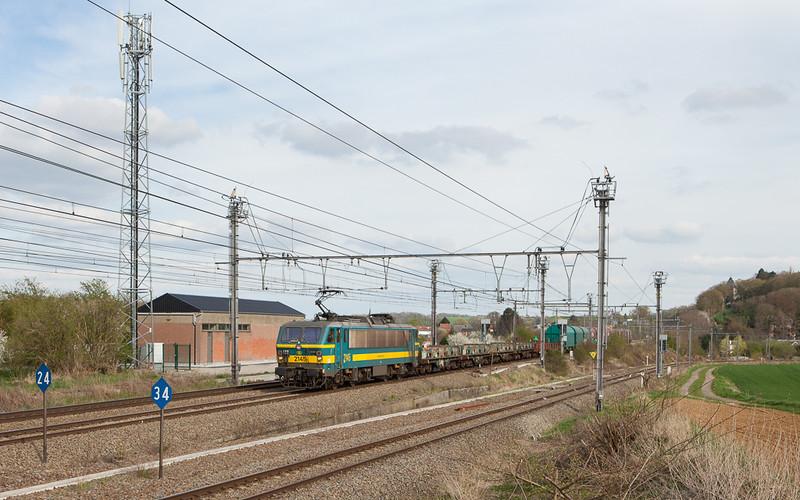 2145 with the Intervoorming 54201 (Kinkempois - Antwerpen-Noord) in Glons.