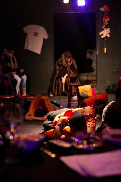 Allan Bravos - Fotografia de Teatro - Indac - Migraaaantes-153.jpg