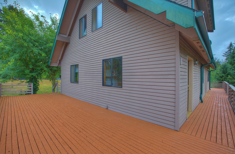 back and side decking.jpg