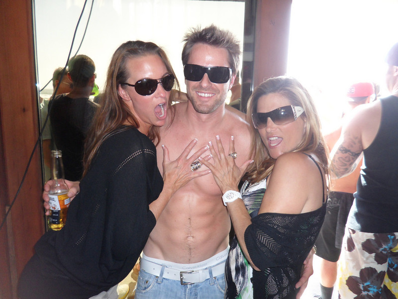 DJ hiXXen & his Groupies