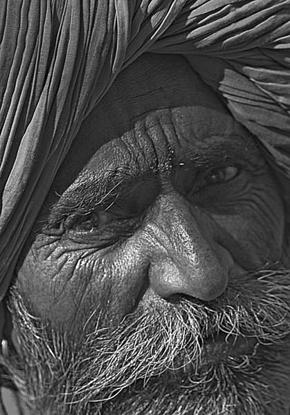 NE-INDIA-20041105A-263A-BW.jpg