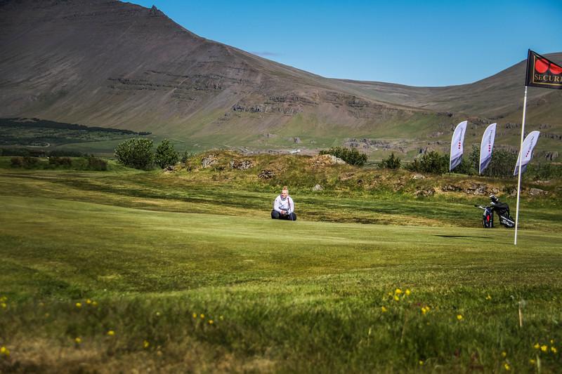 Amanda Guðrún Bjarnadóttir, GHD, við 9. flöt á Garðavelli.  Mynd/seth@golf.is