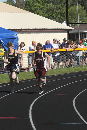 UP Boys' 4x800 Relay - 2014 MHSAA T&F Finals