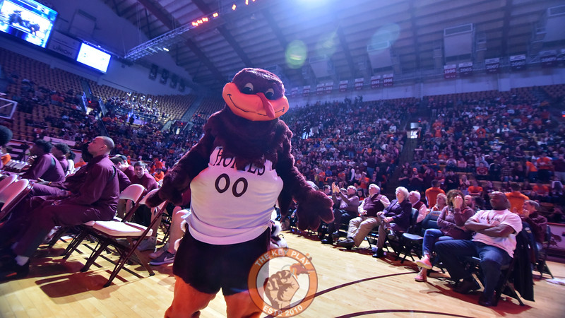 The HokieBird was movin' and dancin' following the announcement. (Michael Shroyer/TheKeyPlay.com)