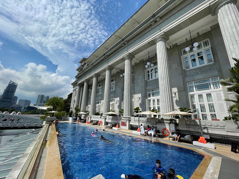 The Fullerton Hotel Swimming Pool