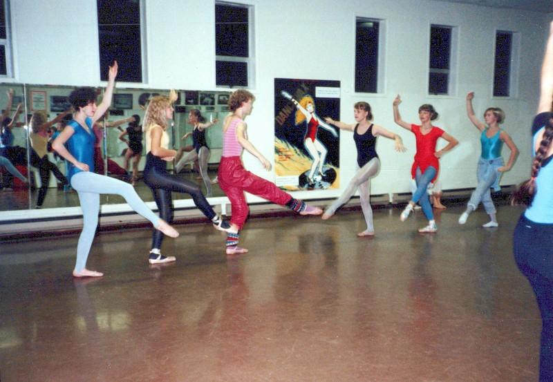 Dance_2212_a.jpg