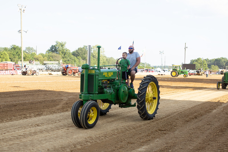 Antique Tractor Parade-104.jpg