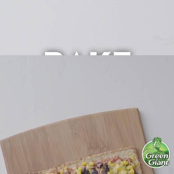 Green Giant Cauliflower Pizza Crust mexican.mp4