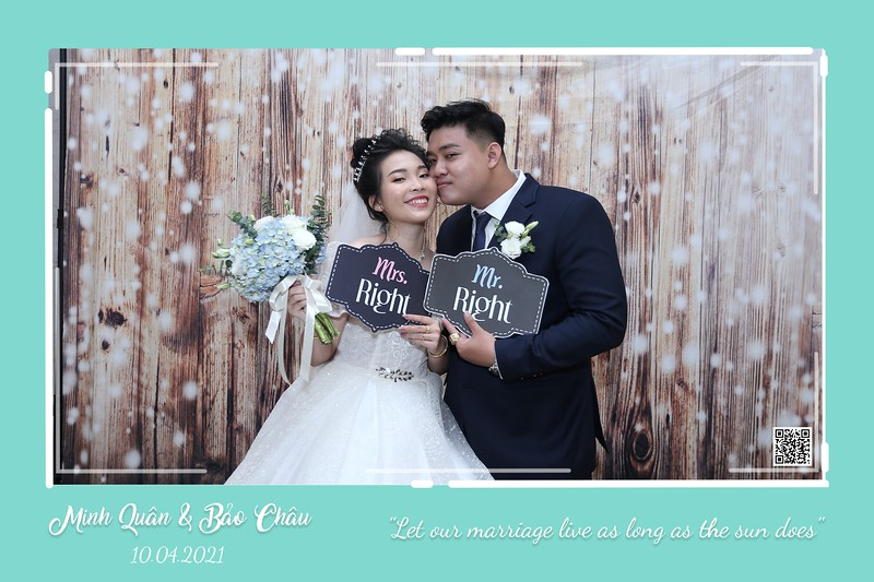 QC-wedding-instant-print-photobooth-Chup-hinh-lay-lien-in-anh-lay-ngay-Tiec-cuoi-WefieBox-Photobooth-Vietnam-cho-thue-photo-booth-002.jpg
