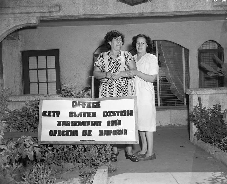 1951, Residents
