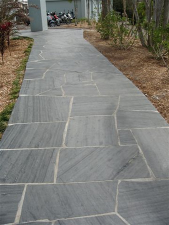 Irregular Shadow Gray Flagstone