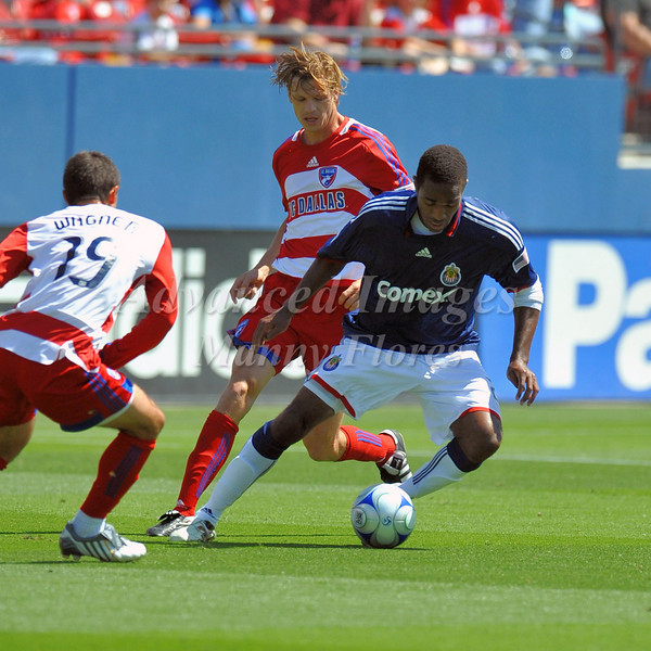 29, March 2009:  Chivas USA middle Atiba Harris #20in action during the soccer game between FC Dallas & Chivas USA at the Pizza Hut Stadium in Frisco,TX. Chivas USA  beat FC Dallas 2-0.Manny Flores/Icon SMI