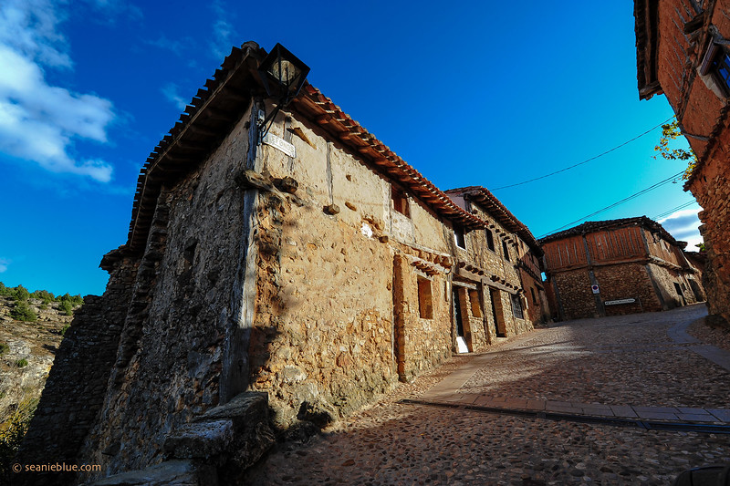 KCMB catalanazor village 2000-70-1190.jpg