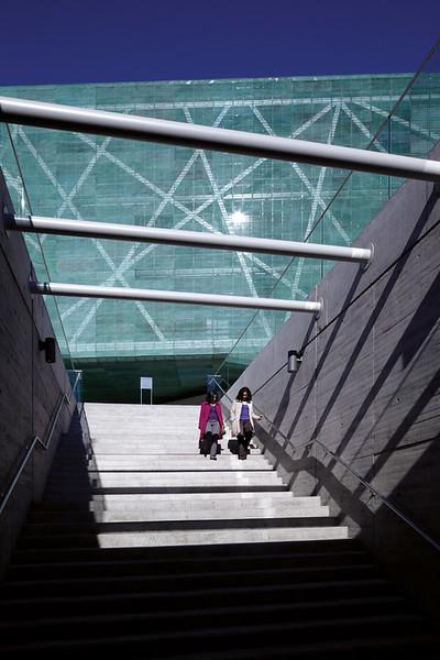 View of museum from the interior of La geometría de la conciencia (The Geometry of Consciousness). (Courtesy Alfredo Jaar Studio)