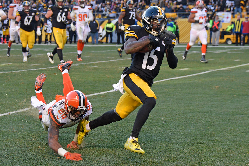 . Pittsburgh Steelers wide receiver DeMarcus Ayers (15) gets past Cleveland Browns strong safety Briean Boddy-Calhoun (20) for a touchdown during the second half of an NFL football game in Pittsburgh, Sunday, Jan. 1, 2017. (AP Photo/Don Wright)