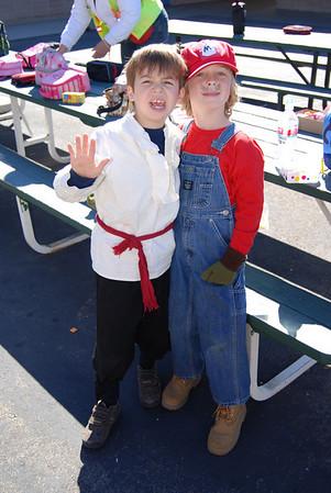 Zeuz's first grade Halloween Party: Miss Hintze 10/29/09