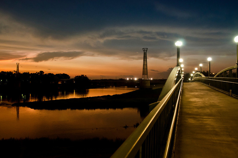 20110720_Riverscape at night_1037.jpg