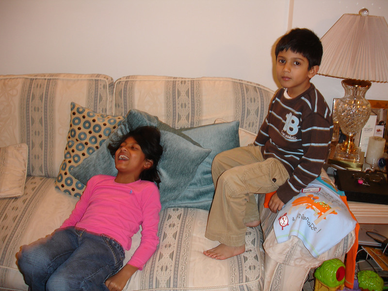 swati and kids in London 2008 108.JPG