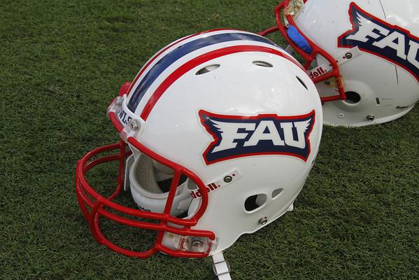 FAU Football vs UAB Blazers, (FAU:38, UAB:35, Win) November 26, 2011, 4:00pm, at FAU Stadium, Boca Raton, FL