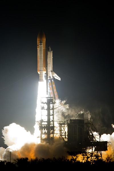 space-shuttle-endeavour-launch-12-18.jpg