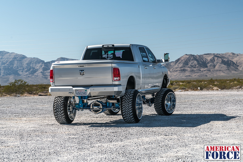 Ridin'-High-Silver-Dodge-Ram-161105-DSC02814-40.jpg