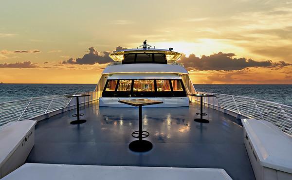 5766 Majestic Appetizer Sunset Cruise