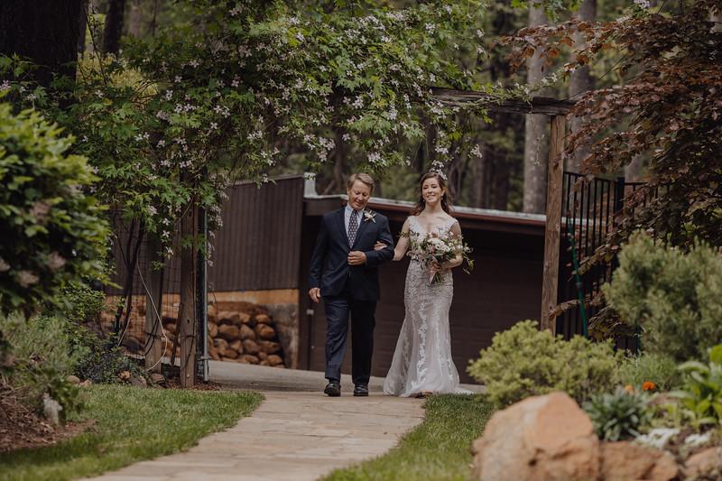 2018-05-12_ROEDER_JulieSeth_Wedding_DUSTIN1_0054.jpg