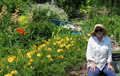 Rose's Flower Garden