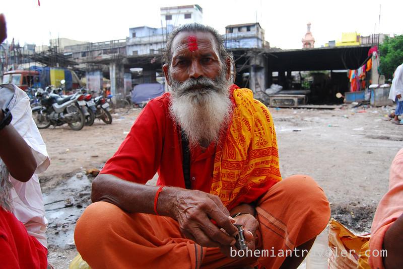sadhu in Varanasi (2).jpg