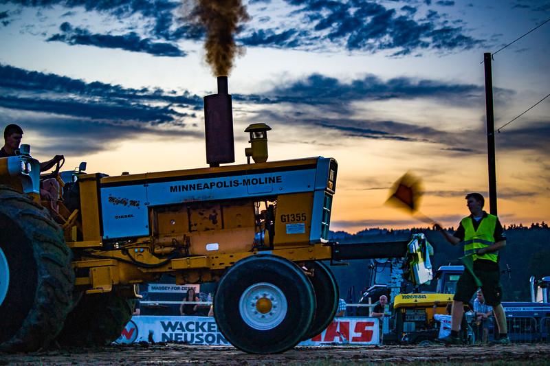 Tractor Pulling 2015-01735.jpg
