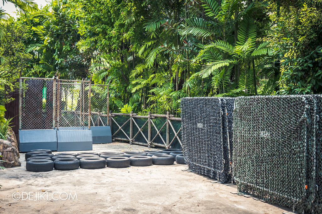 Universal Studios Singapore Halloween Horror Nights 8 / Zombie Laser Tag 2018 obstacles